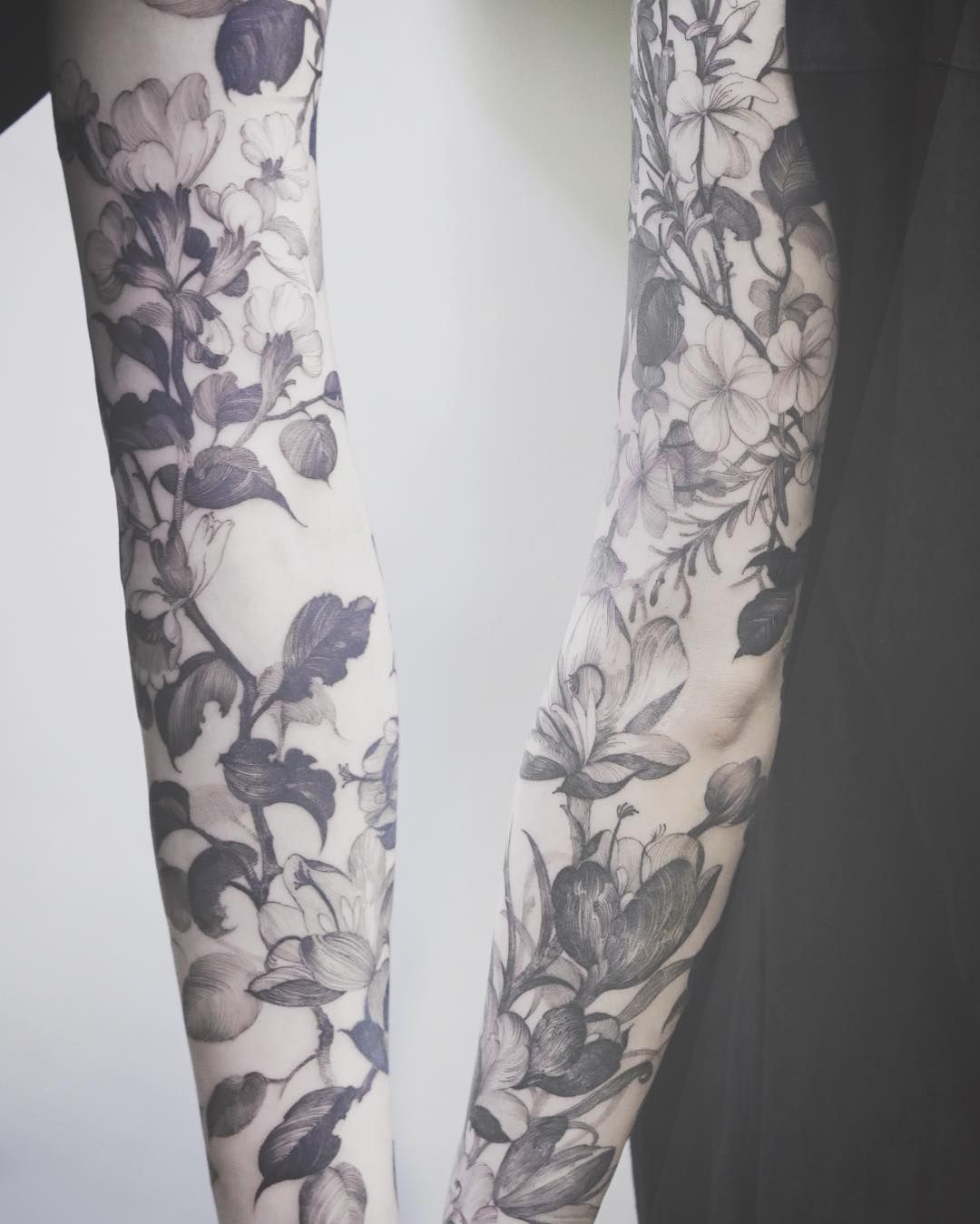 K U B R I C K H O On Instagram Flowers And Leaves Tattoo Justiceink Flowers Blackink Blackwork Tattoos Leaf Tattoos Sleeve Tattoos
