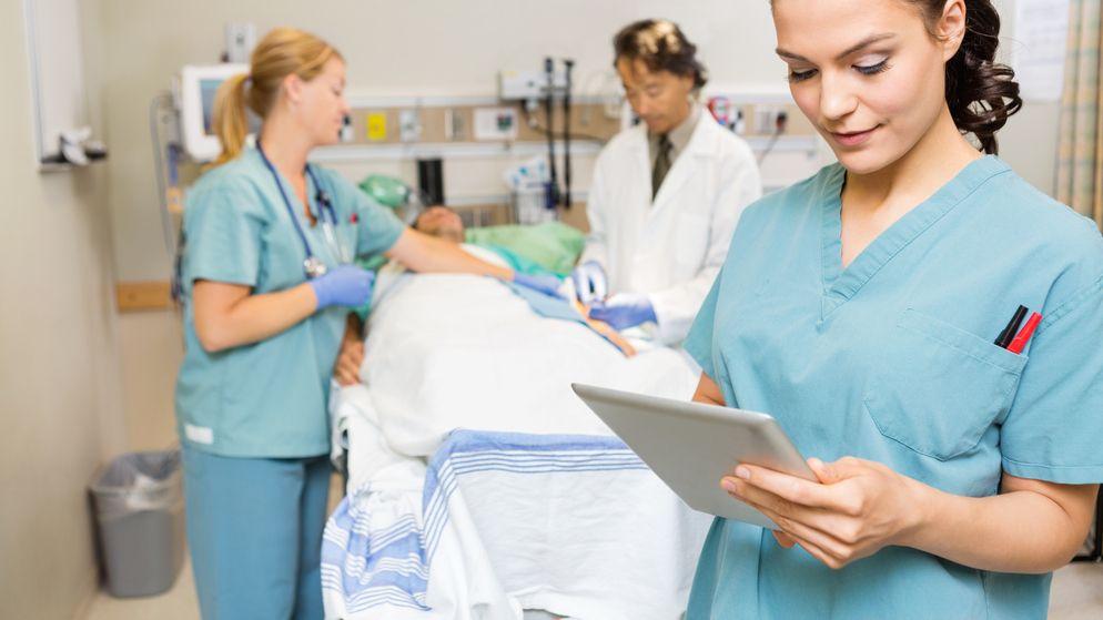 Nurses_iPad Nursing jobs, Emergency room nurse, Medical