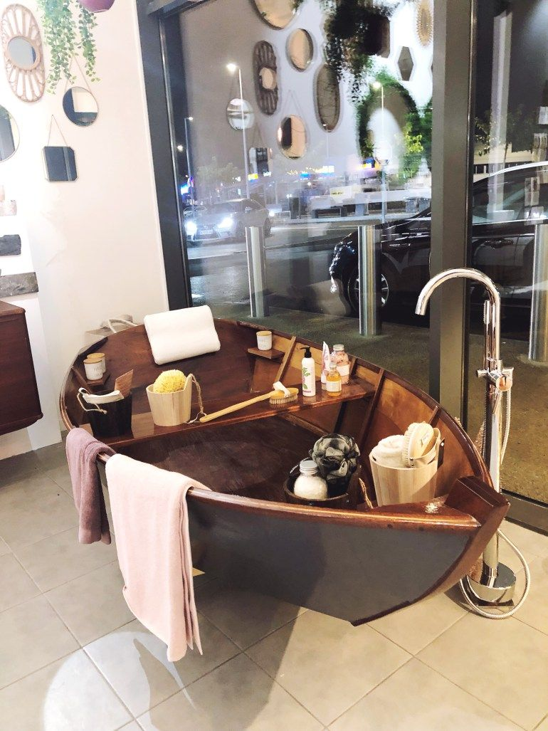 zodio la rochelle bathroom bathtub