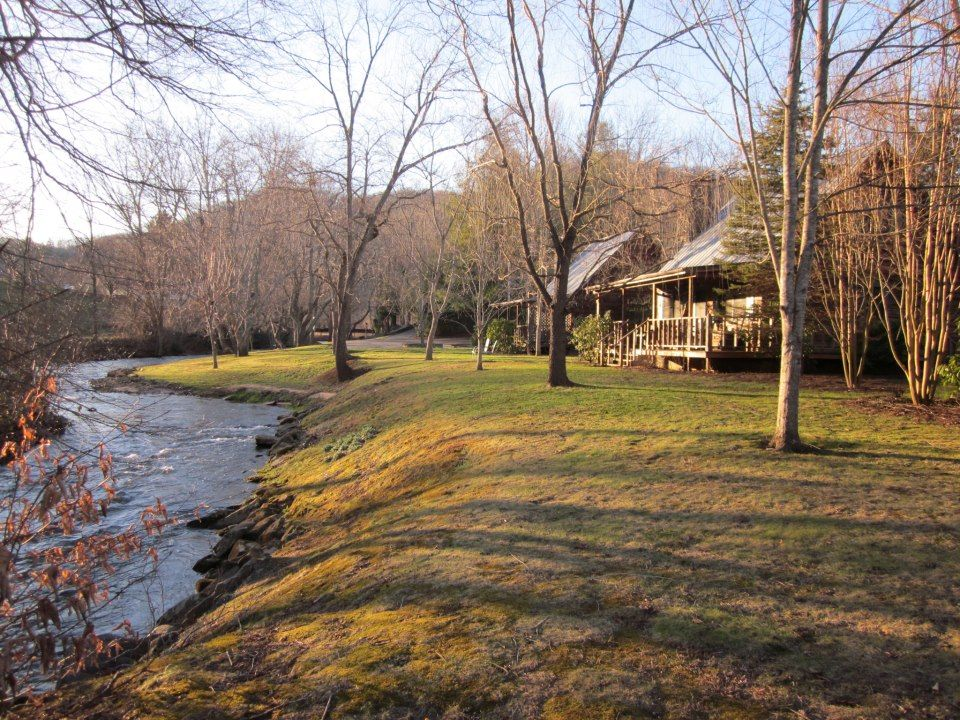 Streamside cabins mountain springs cabins pinterest for Mountain springs cabins asheville nc