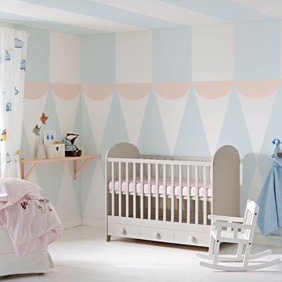 Ikea chambre bébé enfant lit évolutif linge de lit coussins