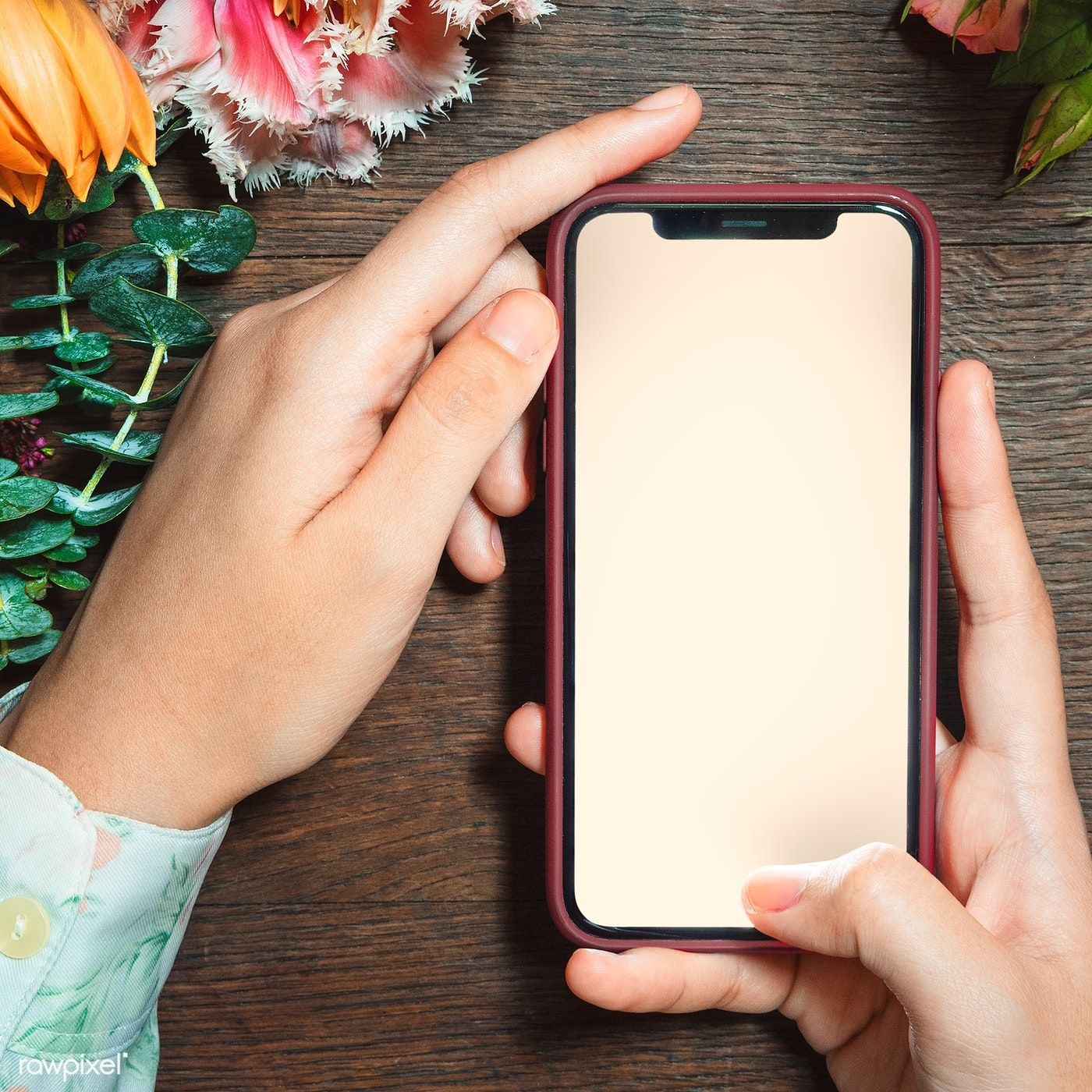 Download Premium Psd Of Woman Holding A Mobile Screen Mockup 1212366 Ideias Para Cartaz Ideias Instagram Molduras Para Fotos Montagens