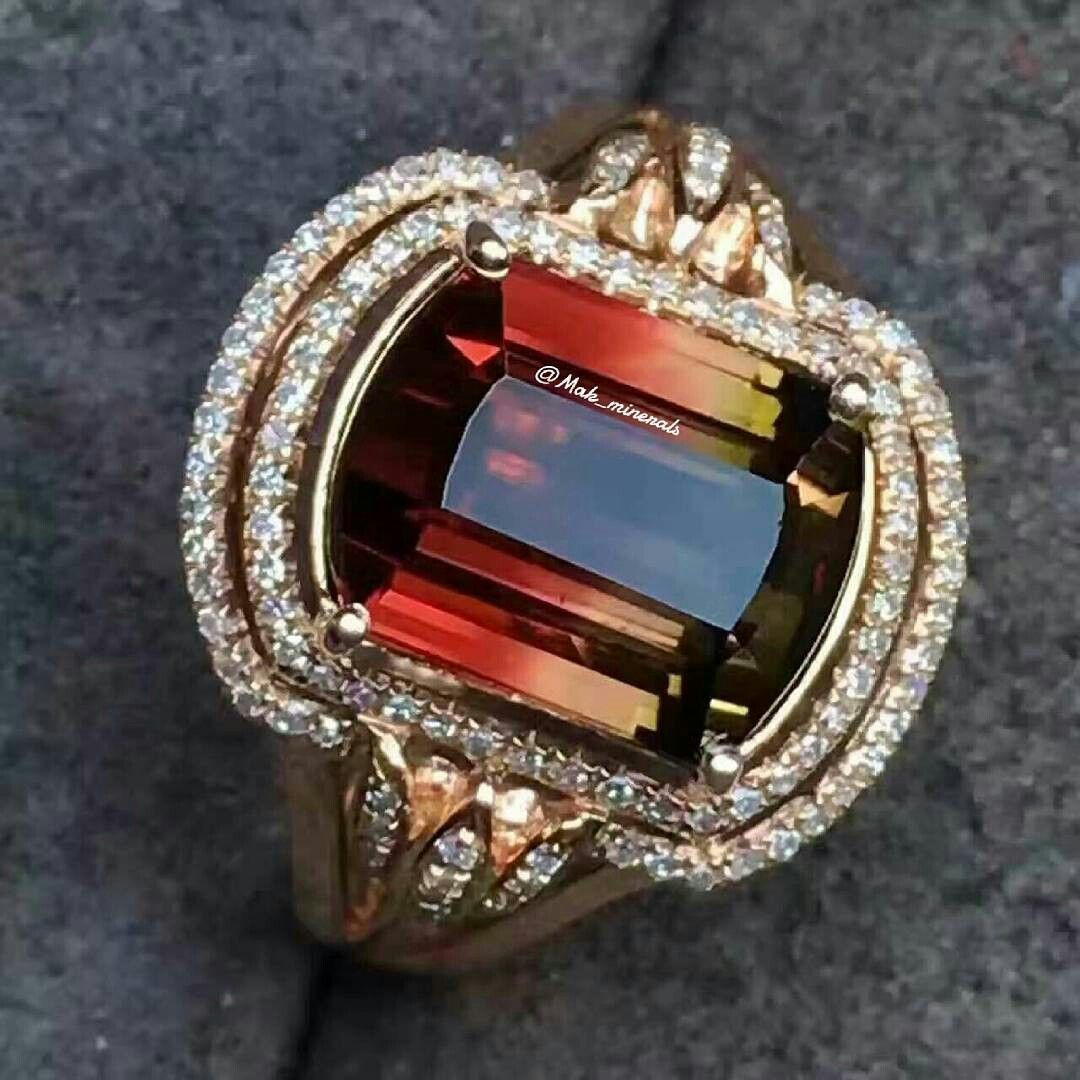 @mak_minerals The natural watermelon tourmaline ring, 18k gold inlaid, fire colour, crystal clean.. Stone weight: 15.8 carats Ring size: 8 * 10 mm total weight: 4.48 grams