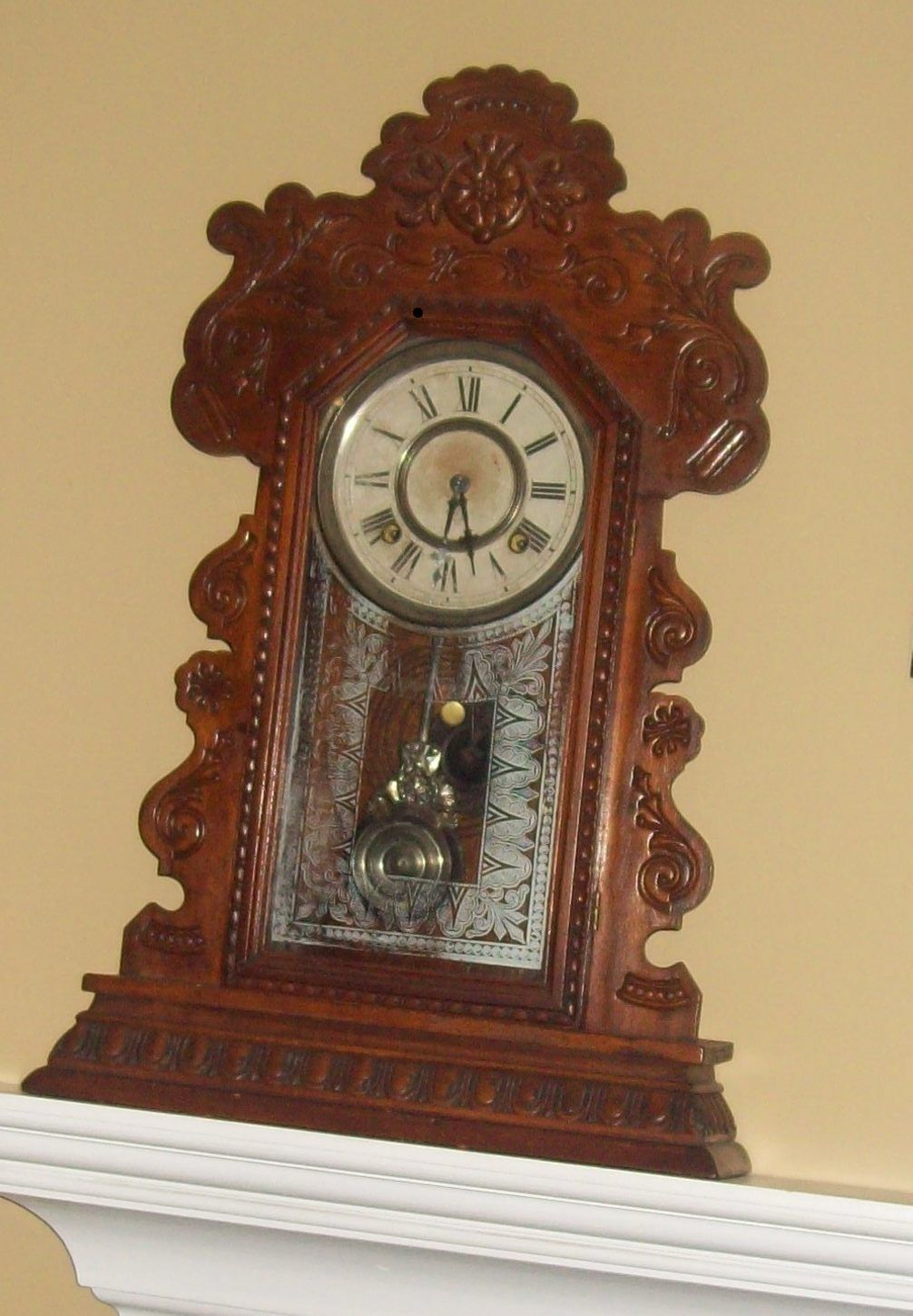 Antique Pioneer Clock Late 1800 To Early 1900 Been In The Family For Over 100 Years Antique Wall Clock Clock Old Clocks