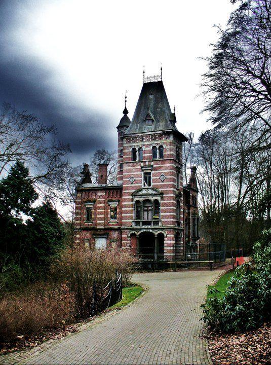 Parc tournay solvay maison abandonn e i would rescue this if i had lots o - Maison abandonnee belgique ...