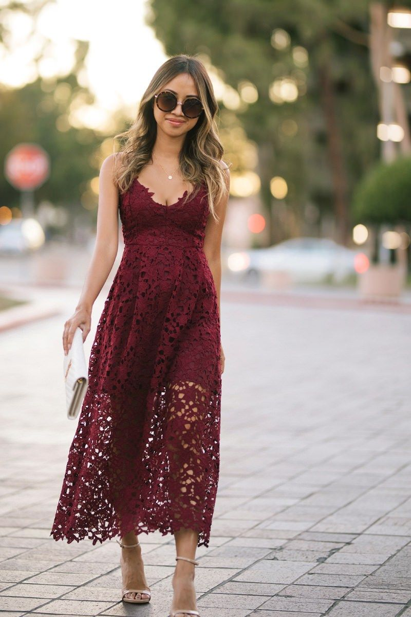 Lace And Locks Petite Fashion Blogger Lace Midi Dress Nordstrom Fall Fashion Fall Wedding Dress Lace Burgundy Dress Burgundy Midi Dress Burgundy Dress Fall