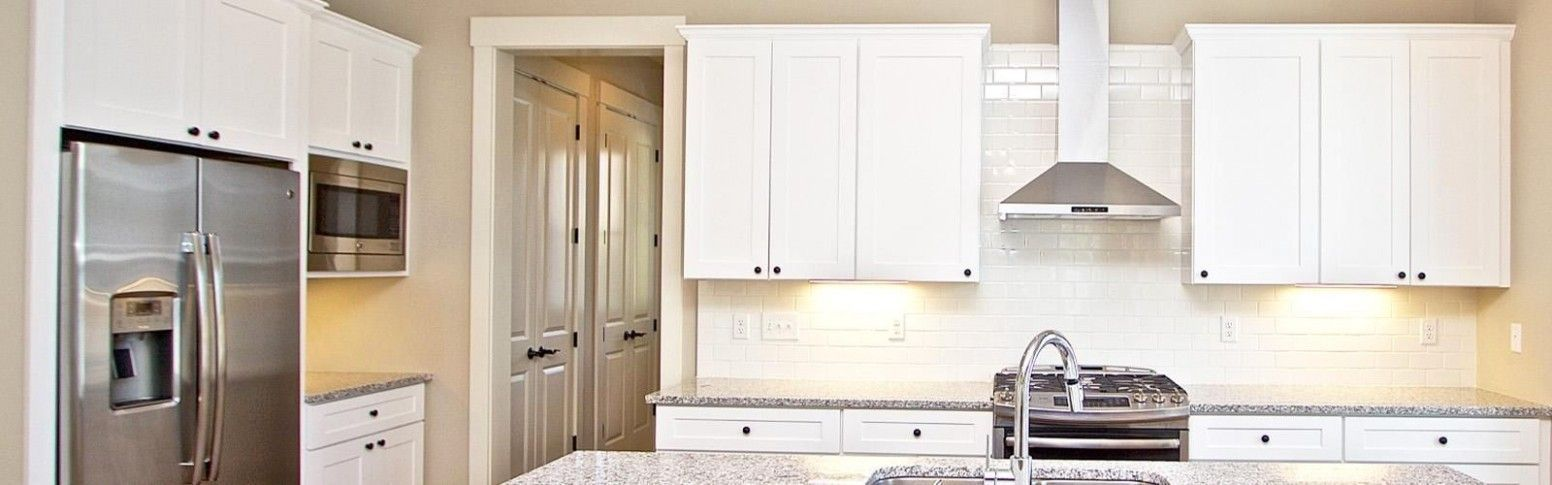 Kitchen Cabinets And Countertop Chicago Area Kitchen Cabinets And Counter In 2020 Kitchen Cabinets Wood Kitchen Cabinets Rta Kitchen Cabinets