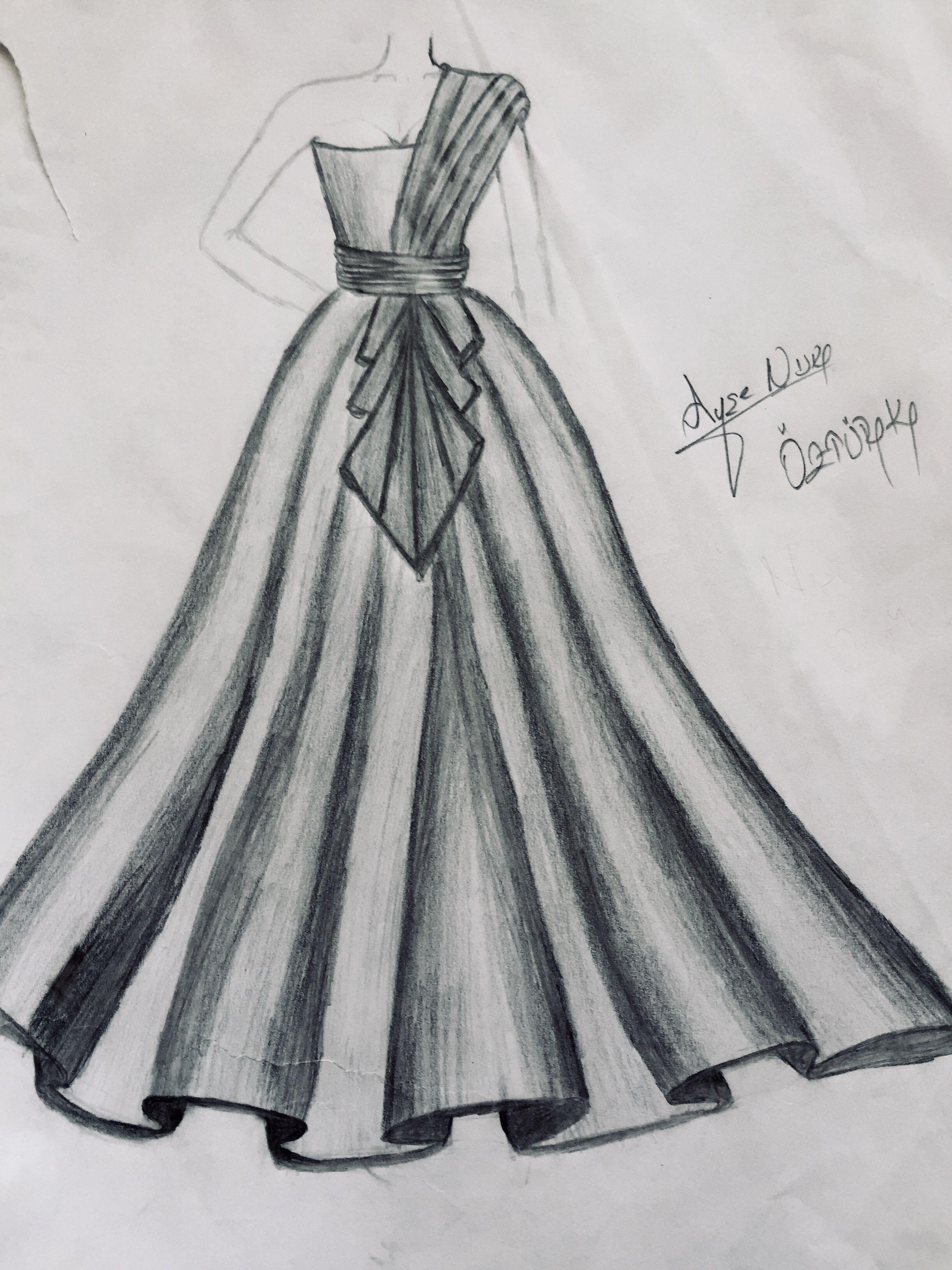 Karakalem Fashion Illustration Sketches Dresses Dress Design Drawing Fashion Drawing Dresses