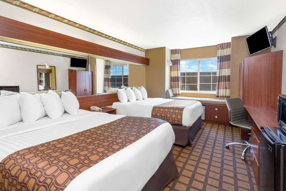 Microtel Inn Suites By Wyndham Green Bay Green Bay Hotels Wi