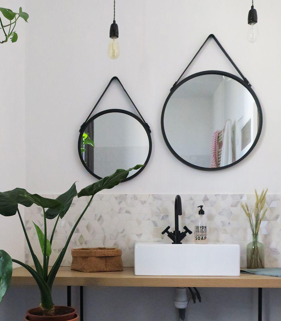 Salle De Bain Renovation Moderne Miroir Rond Noir A Suspendre Round Hanging Mirror Round Mirror Bathroom Decor