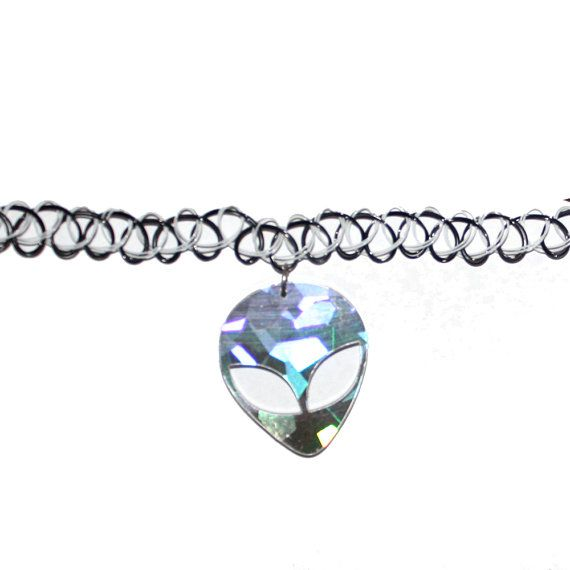 90s HOLOGRAPHIC ALIEN Acrylic Pendant Choker Necklace