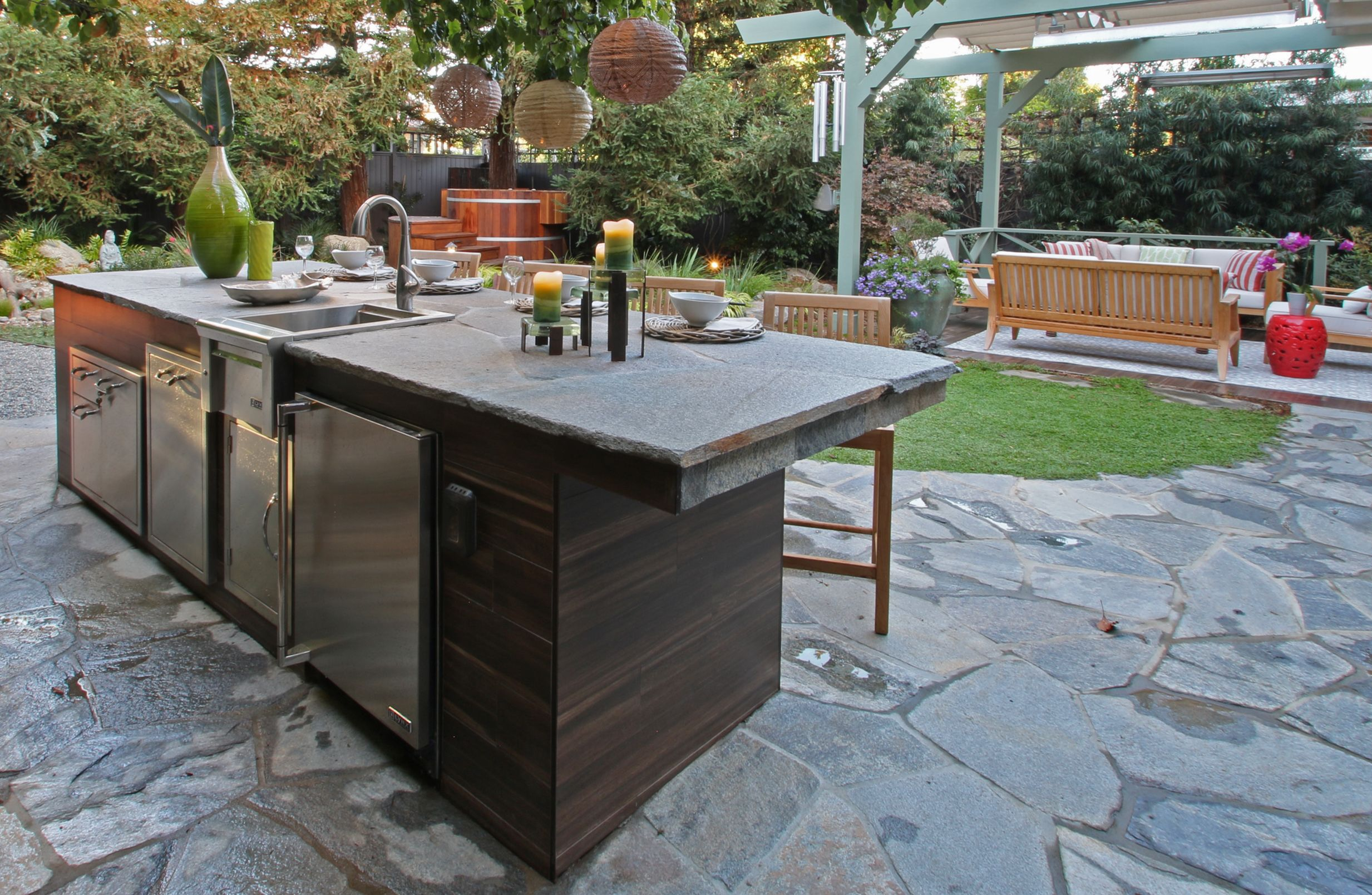 Outdoor great for entertaining. Outdoor