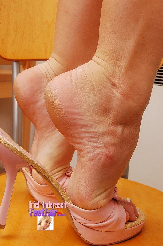 image Mature feet and shoes updated