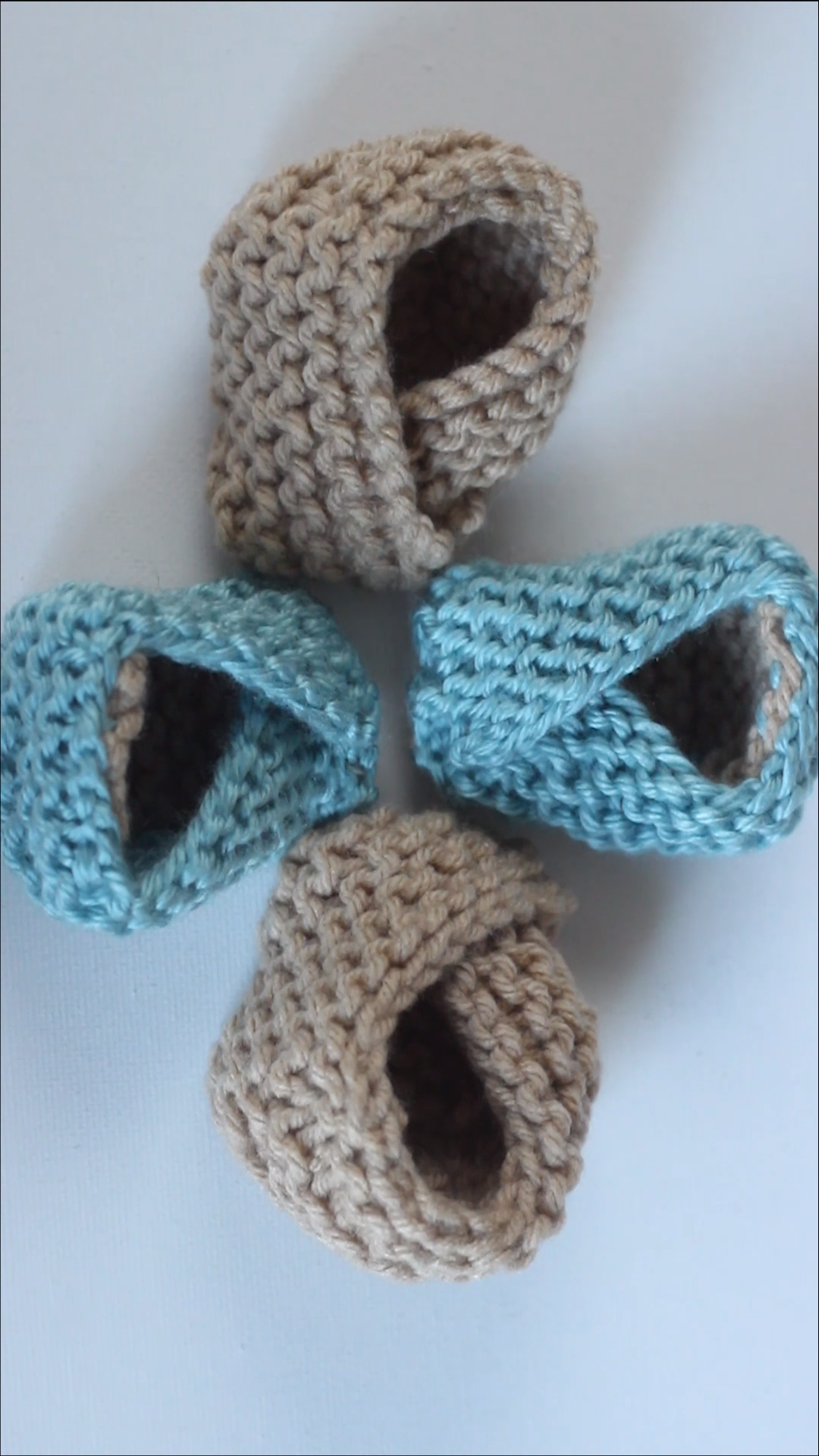 Photo of Easy Knitted Baby Booties Pattern