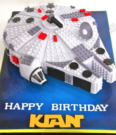 Millenium Falcon Lego Cake - for the Star Wars nerd in ...