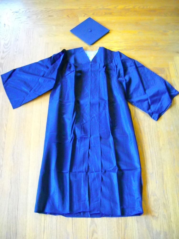 E.R. MOORE CO. Graduation Cap & Gown Lot, 5 Gowns, 10 Caps, Navy ...