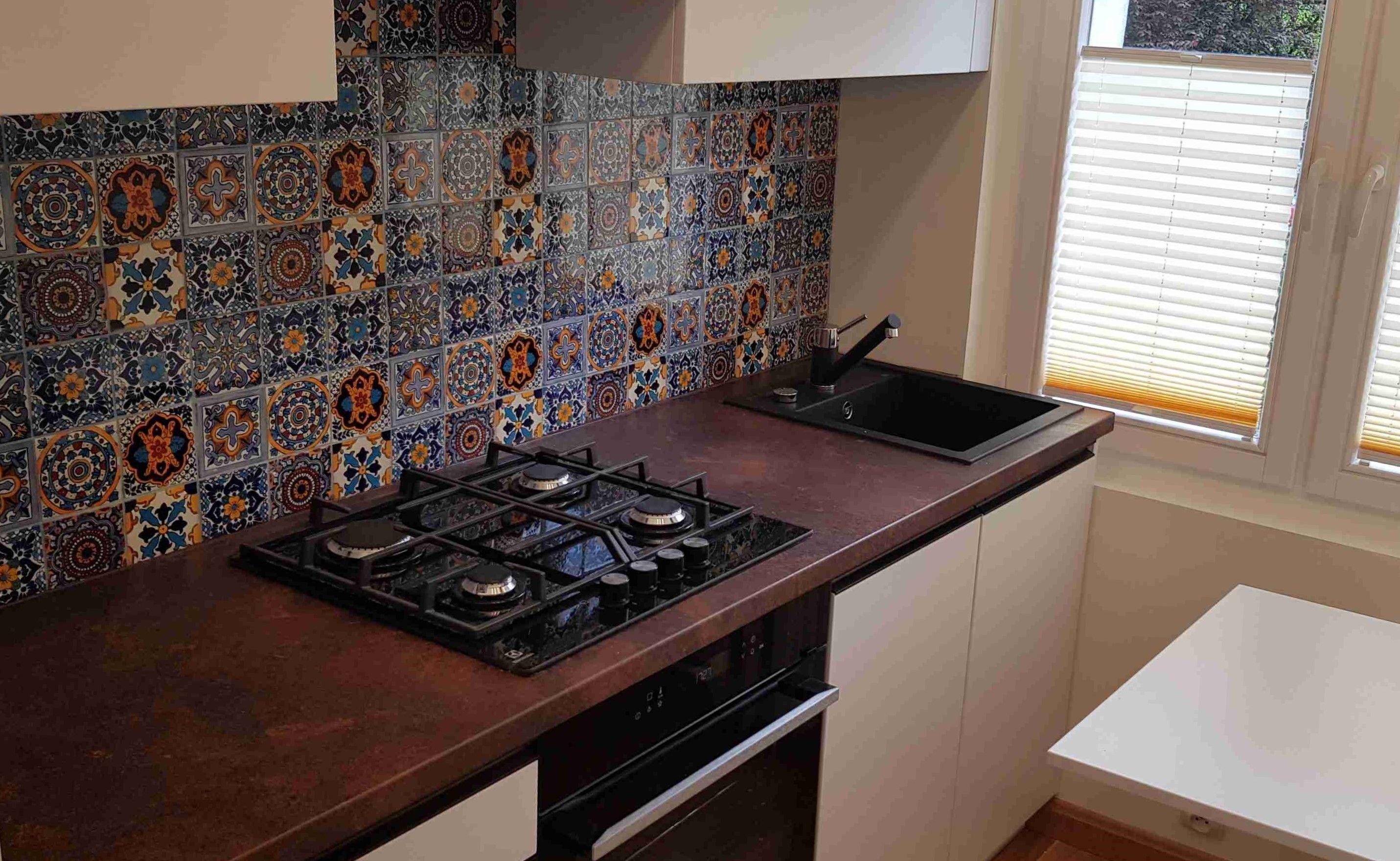 Plytki Meksykanskie Jednego Wzoru Nad Blatem W Kuchni Interiordesign Interiordesign Interiordesign Design Homedes Italia Design Kitchen Appliances Design
