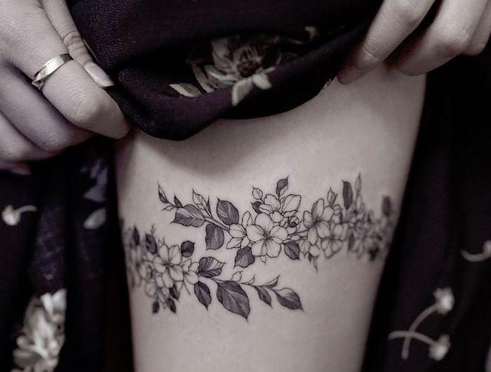 tattoo cuisse – 48 tatouages de caractère | fleurs | tattoos, flower