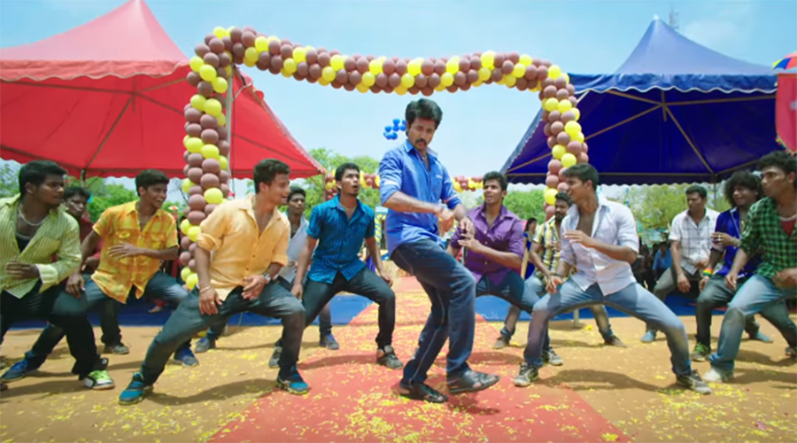 Rajinimurugan Title Track Video Song Review is available. Latest Title Track Video Song of Tamil Movie Rajinimurugan featuring Sivakarthikeyan released by Sony Music India on December 1, 2015 is here. Watch Rajinimurugan Title Track Video Song.