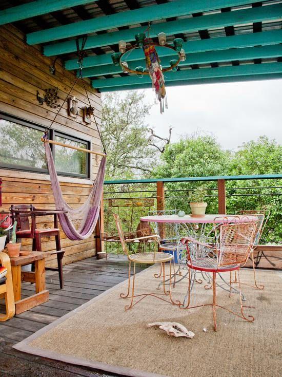 Terrassengestaltung Blaue Dachsparren Vintage Eisenmobel Garten
