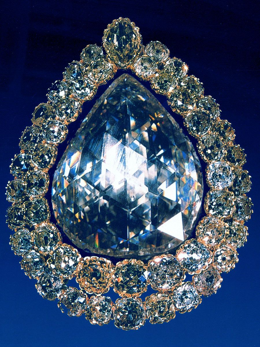 "what are the most famous jewelry The most well-known of these resultant stones jewelry scholar gérard mabille describes it as ""of the the famous diamond was at one time fitted into the."