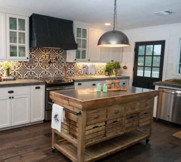 The Dennis Rolling Island   Küche, Küche und esszimmer und Häuschen