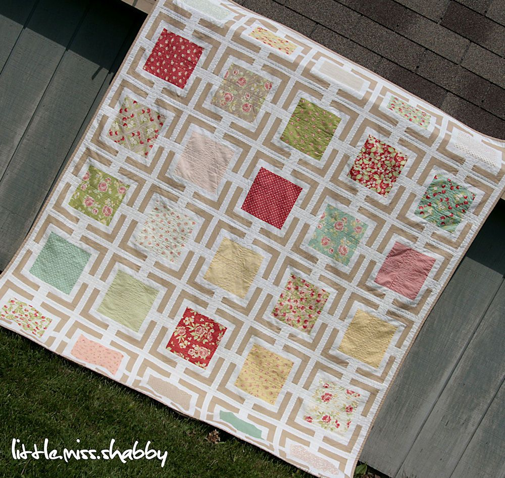 """""""Picture Frames Quilt"""" - Link to free pattern in post!"""