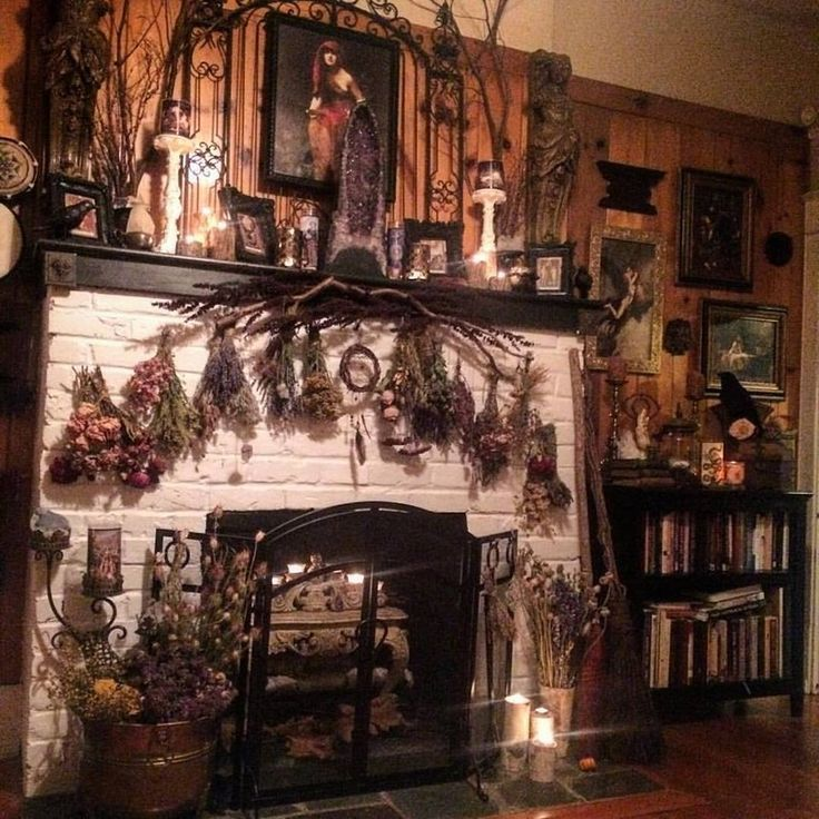 Witch Aesthetic Bedroom . Witch Aesthetic in 2020   Gothic ...