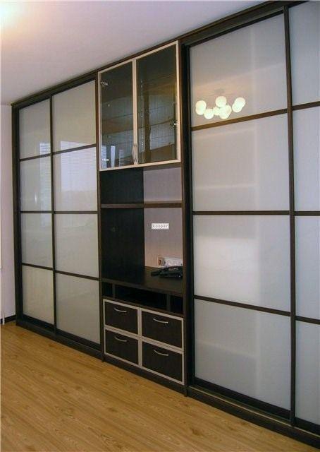 встроенные шкафы купе в гостиную фото