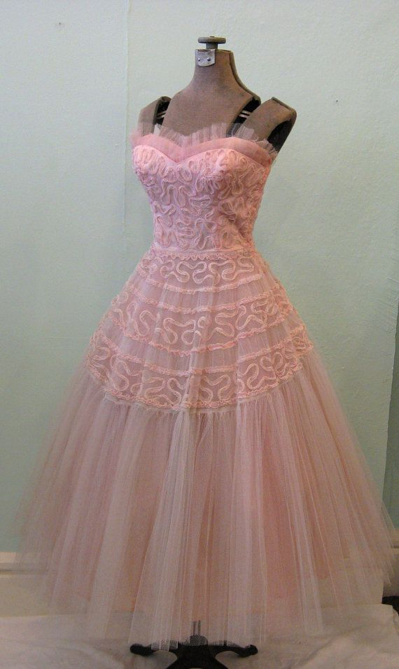 Reserved for PromMaven//Please do not buy 1950s PINK CUPCAKE Tulle ...