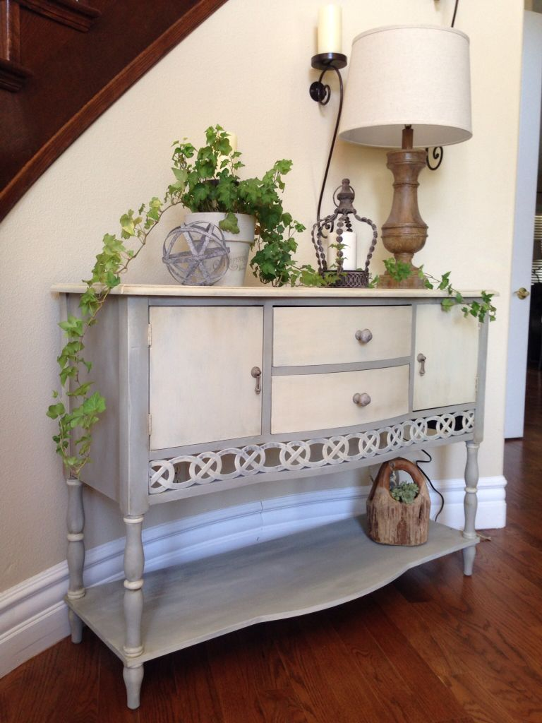 Entryway Table Redo Chalk Painted In Gray With A Country Gray Wash Entryway Tables Furniture Refinishing Furniture