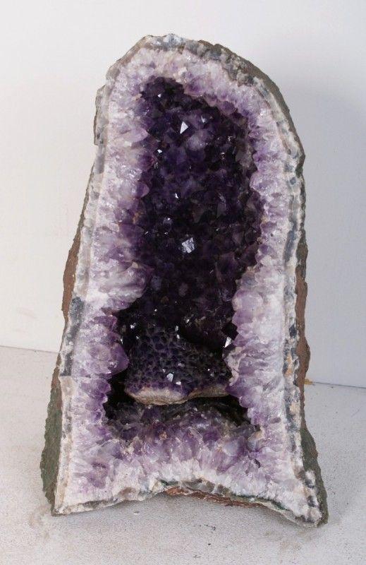 192 Large Purple Amethyst Lamp 19 W 9 Mar 22 2011 Cassidy Galleries In Fl Amethyst Purple Amethyst Purple