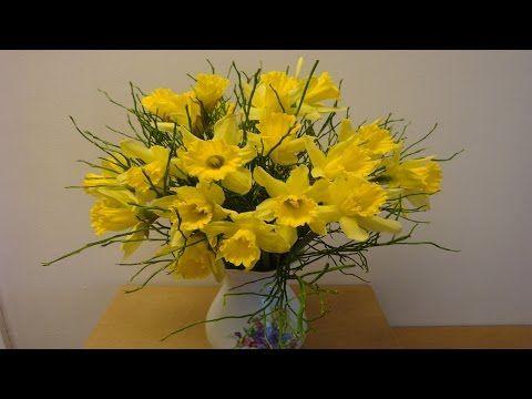 diy blumenstrauß mit osterglocken selber binden | flora-shop.eu, Hause ideen