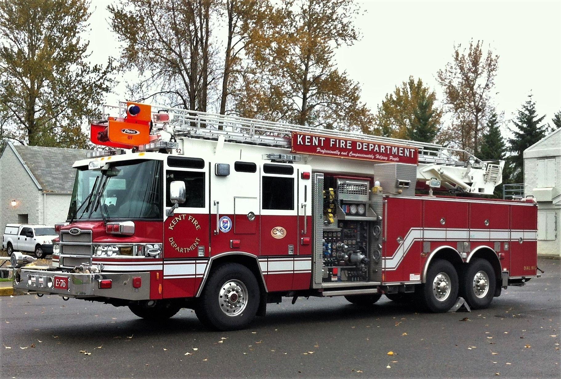 kent fire department quint 76 2010 pierce quantum 1500 800 61 skyboom [ 1822 x 1233 Pixel ]