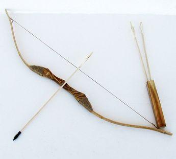 comment fabriquer un arc et des fl ches en bois diy pinterest wooden bow and arrow. Black Bedroom Furniture Sets. Home Design Ideas