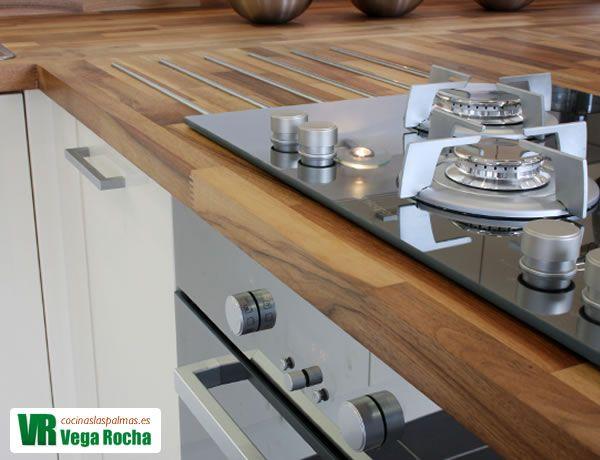 Encimera de cocina de madera las palmas cocina for Muestrario cocinas