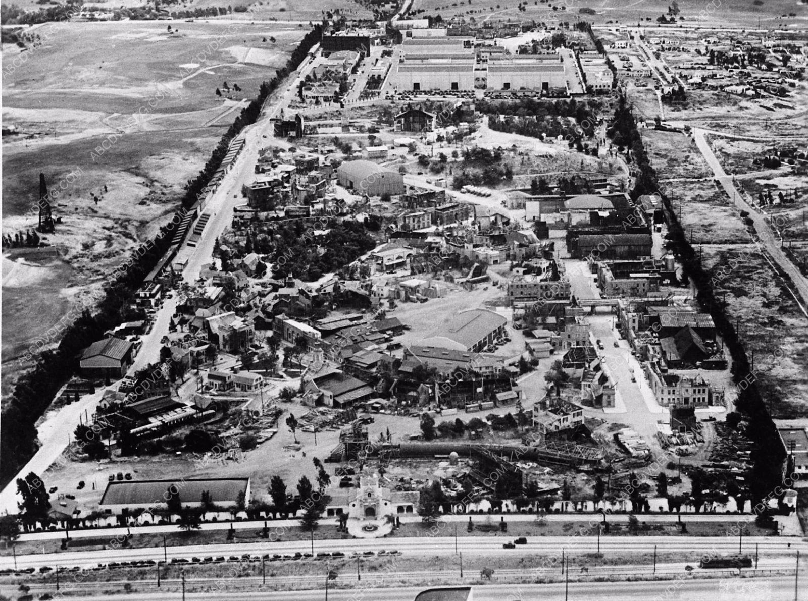 Photo Historic Los Angeles 20th Century Fox Studios Aerial Shot At Pico 2578 28 Los Angeles Architecture Hollywood Homes 20th Century Fox