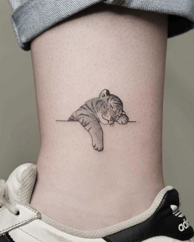 30+ tatouages minimalistes les plus beaux et créatifs – bemethis – #beaux…