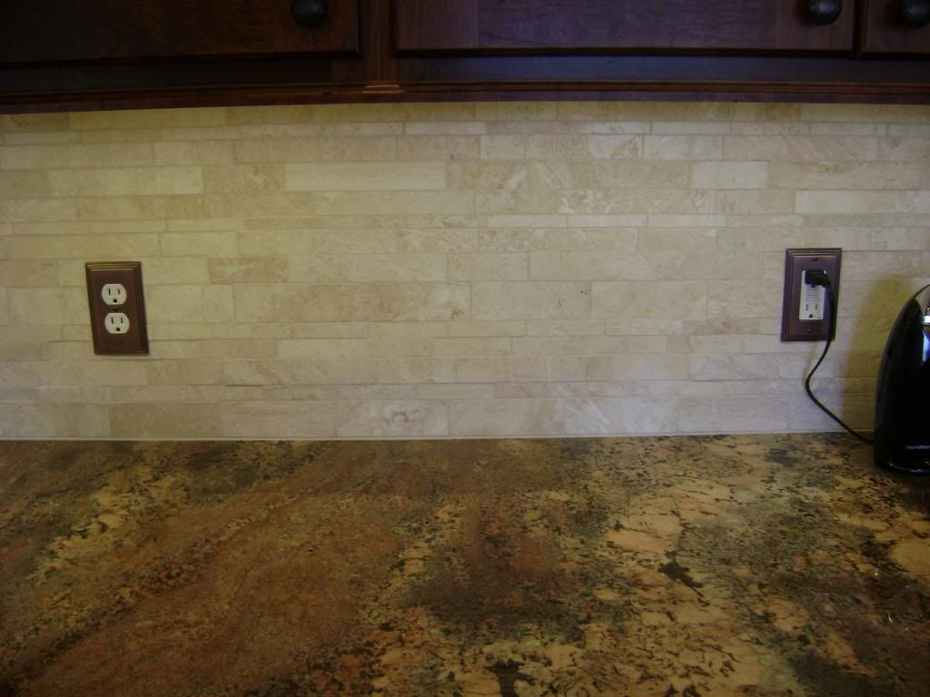 Backsplash photo granite2_zpse71501b8.jpg. travertine backsplash ...
