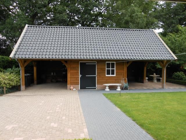 Garage Met Veranda : Onderhoudsvrije houten schuur met veranda carport en een royale