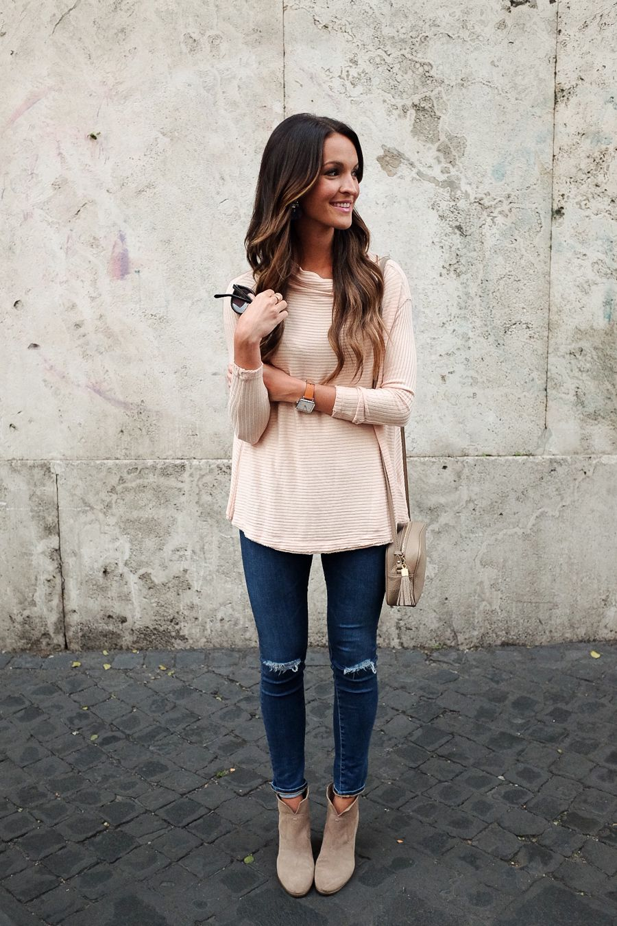 c24e03cccb0e blush pink sweater + distressed denim | OUTFITS - Women's Fashion ...