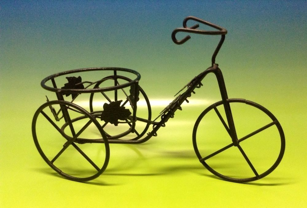 Black wire tricycle plant stand holder unbranded