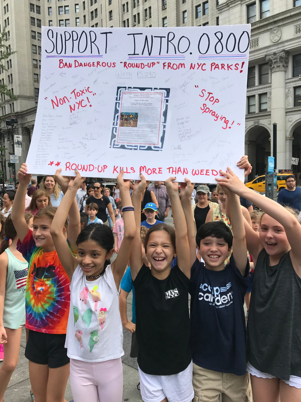 N Y C Bans Pesticides In Parks With Push From Unlikely Force Children In 2021 Nyc Nyc Park Kindergarten Teachers