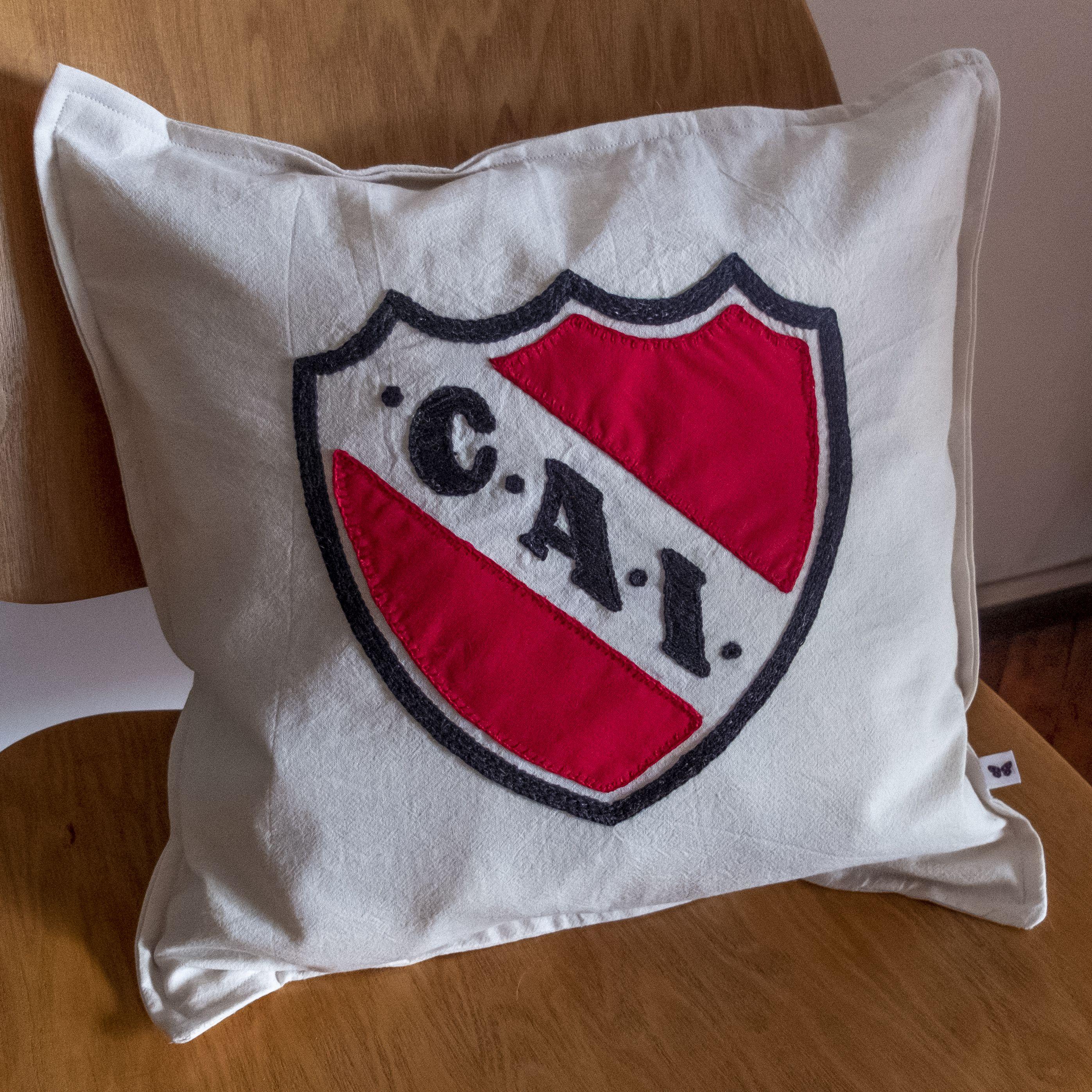 Almohadón para campeones Almohadón a pedido para Fan del Club Atlético Independiente