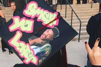 27 Ingenious Ways To Decorate Your Graduation Cap