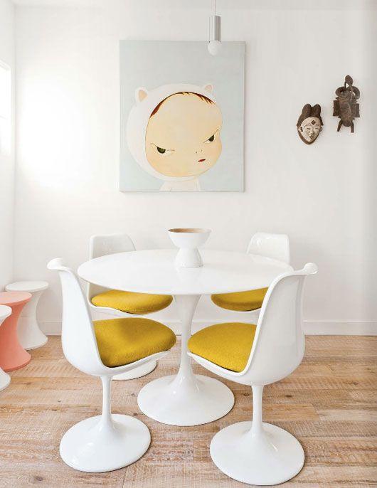 Tulip Tisch perfekt kombiniert mit Tulip Stühlen www.modecor.de/Eero ...
