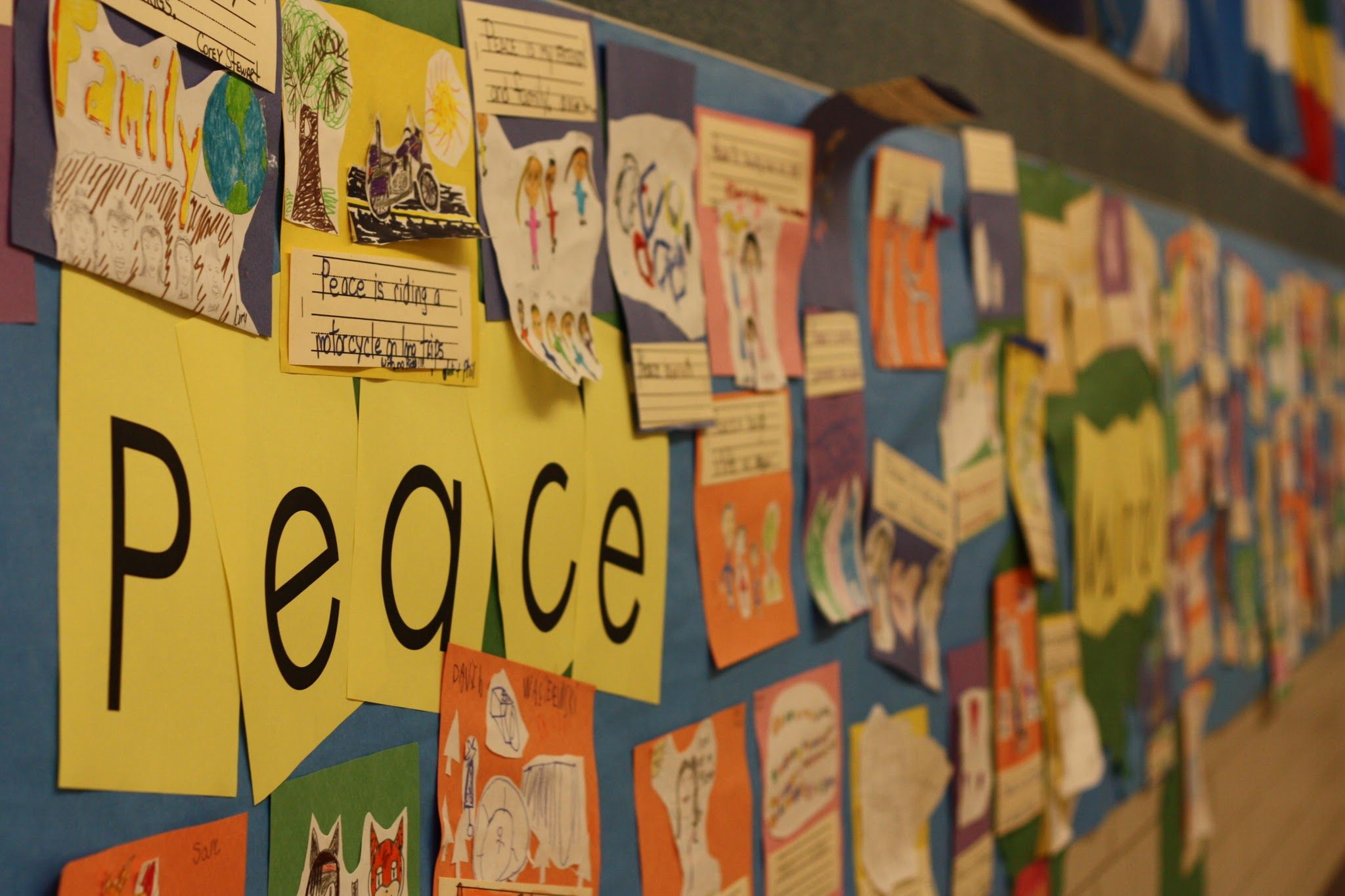 Doesn\'t this gorgeous display of student art and writing around the ...