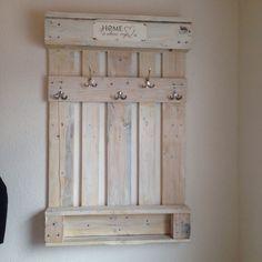 garderobe aus einer alten palette silke pinterest alte paletten garderoben und alter. Black Bedroom Furniture Sets. Home Design Ideas