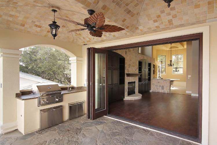 Partners In Building Indoor Outdoor Kitchen In Houston Texas House Design Indoor Outdoor Kitchen Custom Homes