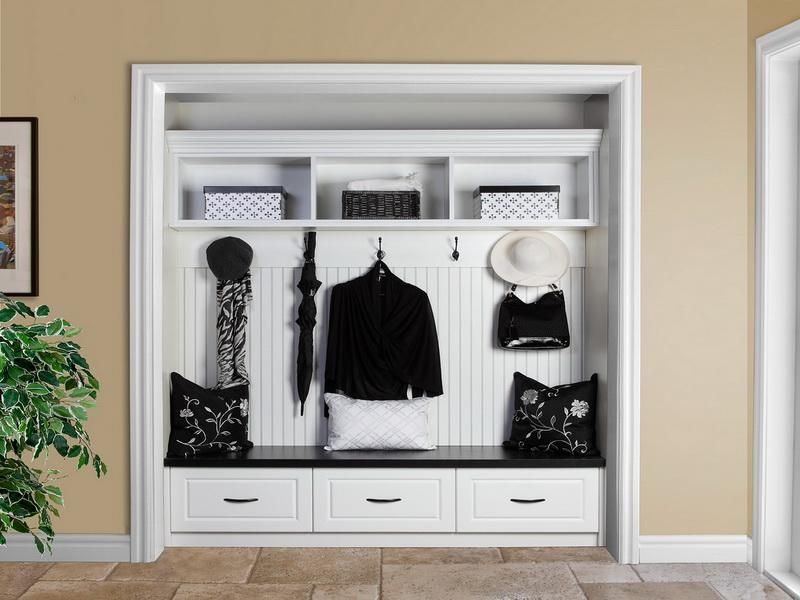 Merveilleux Modern Coat Ideas : Modern Coat Cubby Storage Design Wainscoting Image Id  38692   GiesenDesign
